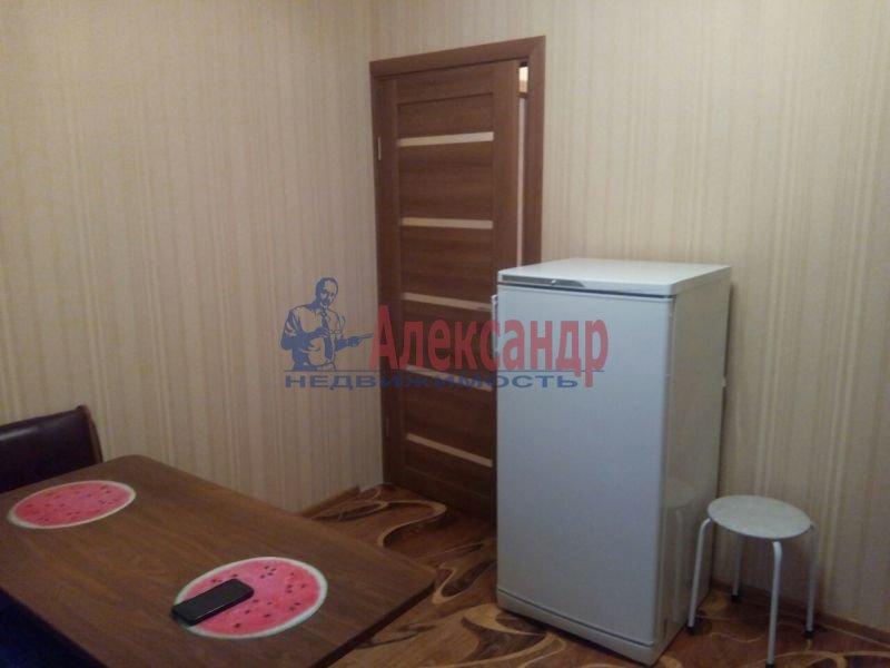 Комната в 4-комнатной квартире (96м2) в аренду по адресу Чайковского ул., 63— фото 1 из 2