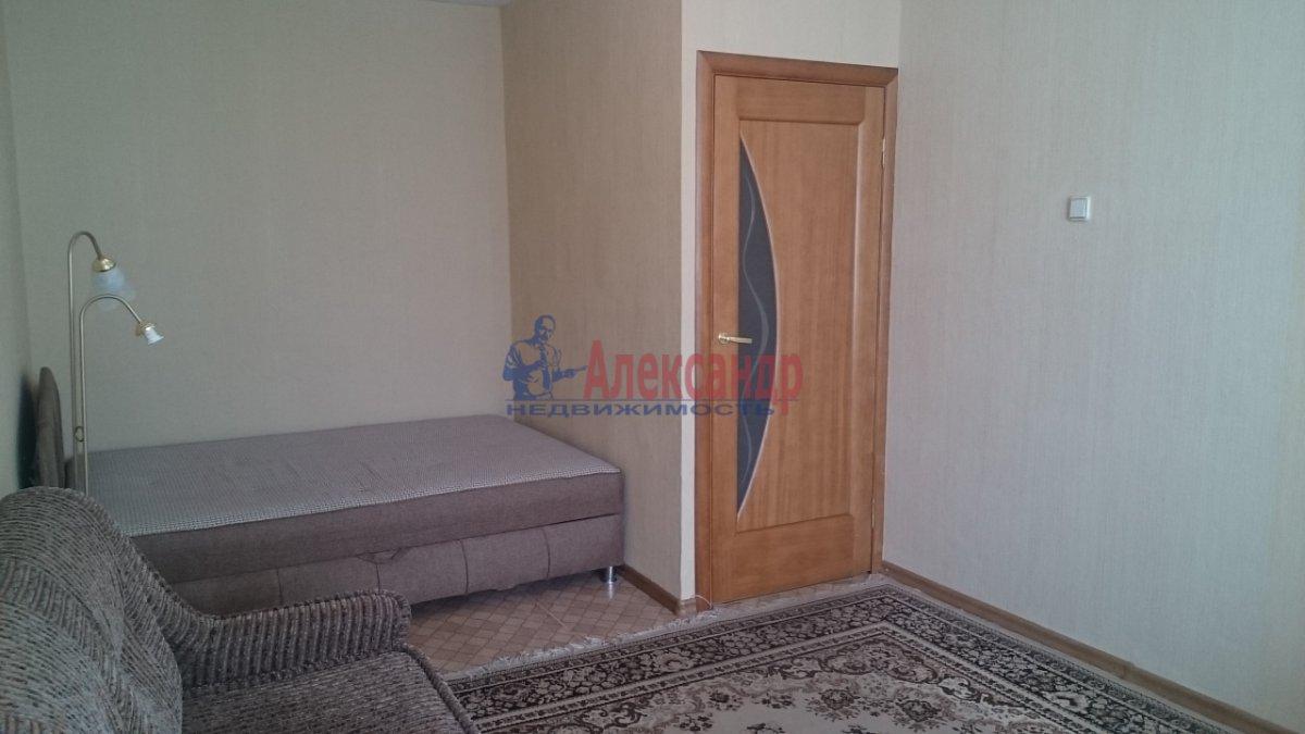 1-комнатная квартира (37м2) в аренду по адресу Ярослава Гашека ул., 15— фото 10 из 12