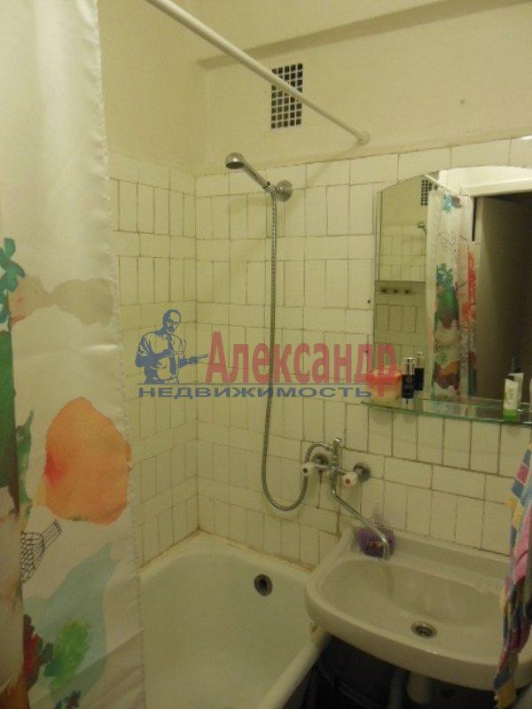 2-комнатная квартира (49м2) в аренду по адресу Космонавтов просп., 52— фото 6 из 8