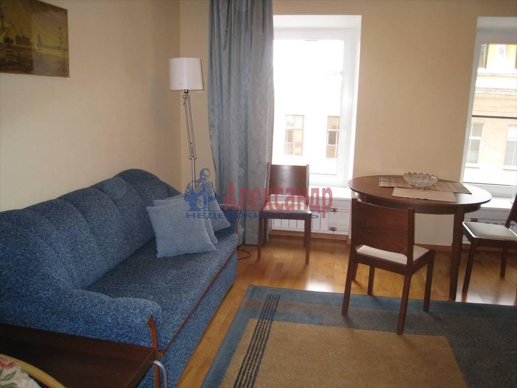 1-комнатная квартира (41м2) в аренду по адресу Итальянская ул., 6— фото 2 из 3