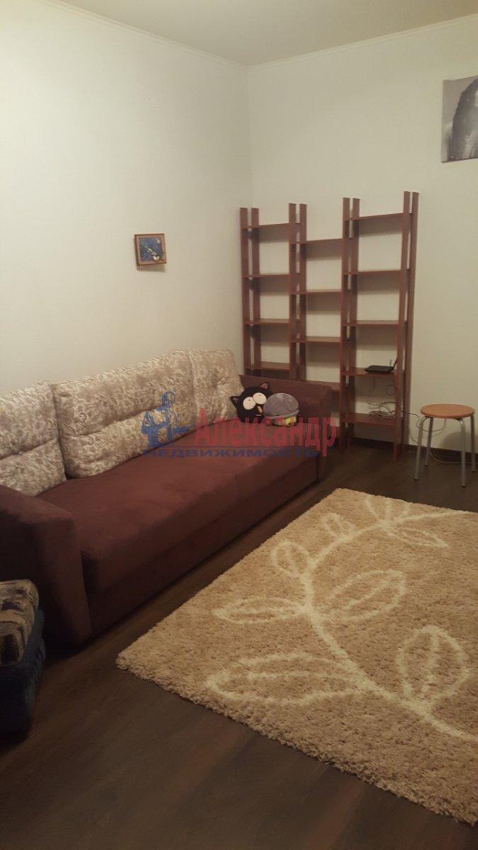 Комната в 3-комнатной квартире (84м2) в аренду по адресу Комендантская пл., 8— фото 3 из 5