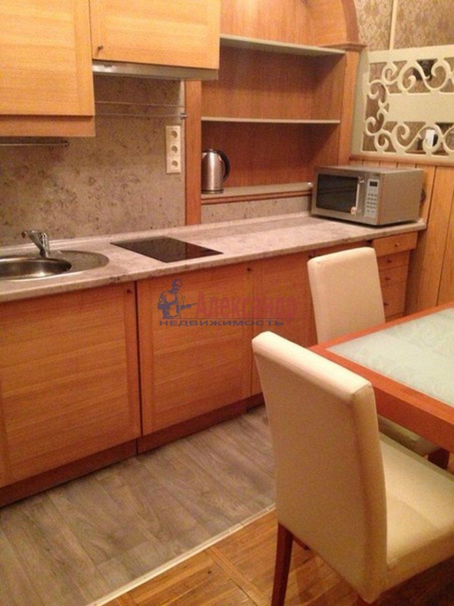 2-комнатная квартира (72м2) в аренду по адресу Реки Фонтанки наб., 64— фото 7 из 7