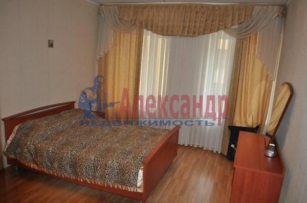 2-комнатная квартира (69м2) в аренду по адресу Кузнечный пер., 19— фото 2 из 5