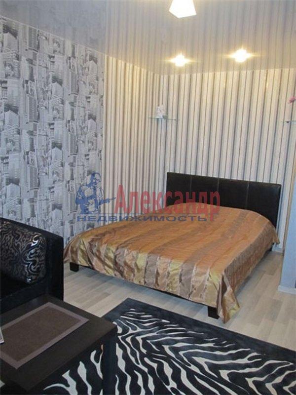 1-комнатная квартира (33м2) в аренду по адресу Светлановский просп., 78— фото 2 из 4