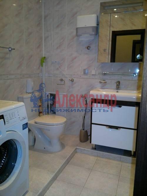 2-комнатная квартира (60м2) в аренду по адресу Софьи Ковалевской ул., 14— фото 3 из 4