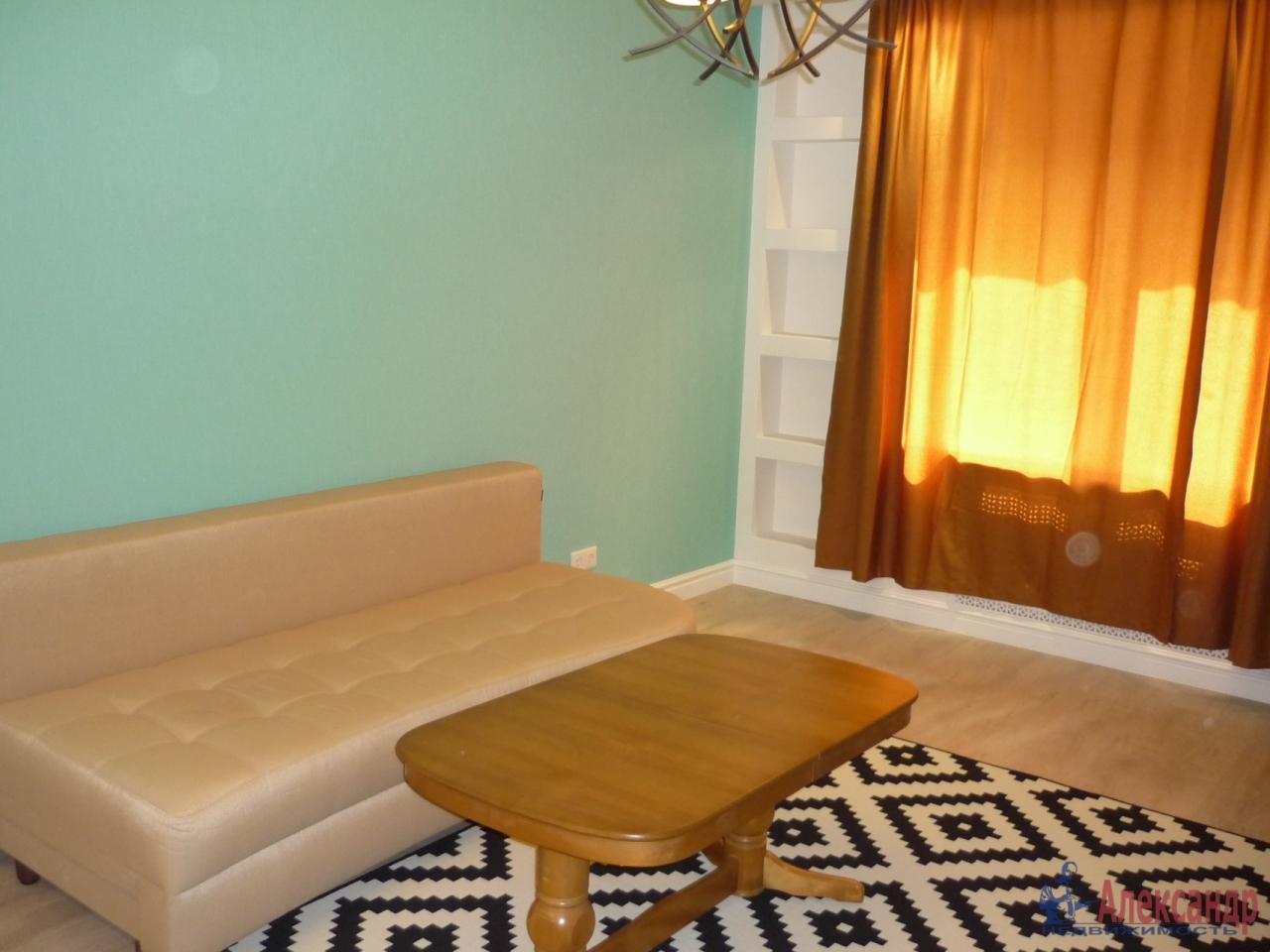 2-комнатная квартира (72м2) в аренду по адресу Кременчугская ул., 9— фото 9 из 17
