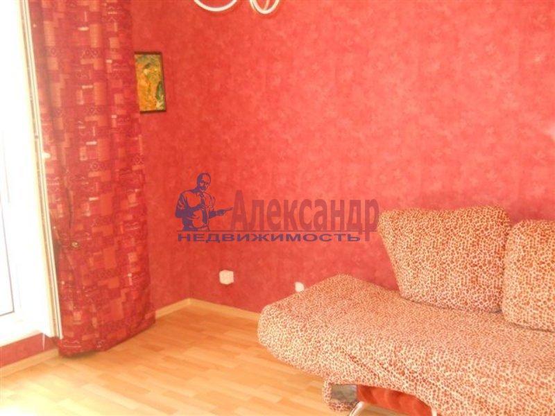 1-комнатная квартира (40м2) в аренду по адресу Решетникова ул., 3— фото 1 из 4
