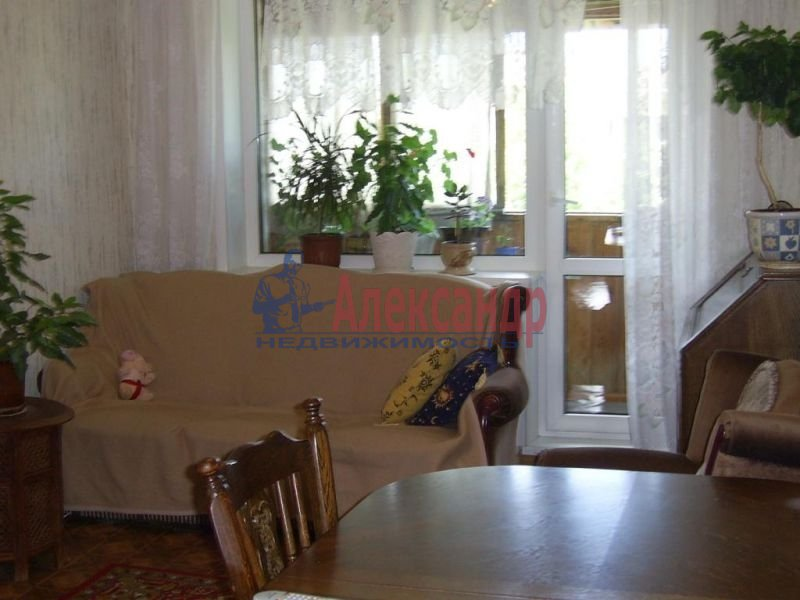 2-комнатная квартира (45м2) в аренду по адресу Большой Сампсониевский пр., 4— фото 2 из 4