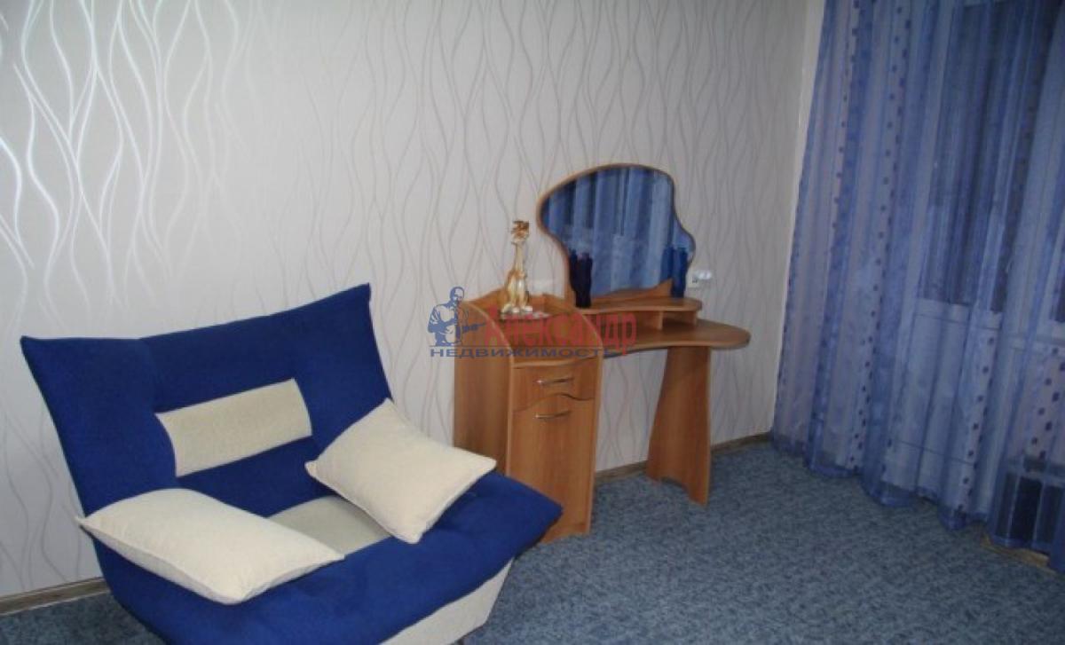 1-комнатная квартира (32м2) в аренду по адресу Ленинский пр., 77— фото 2 из 7
