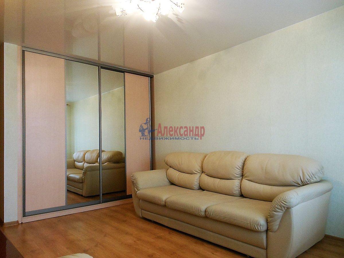2-комнатная квартира (80м2) в аренду по адресу Дунайский пр., 3— фото 2 из 2