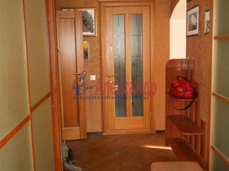 1-комнатная квартира (40м2) в аренду по адресу Решетникова ул., 3— фото 2 из 4