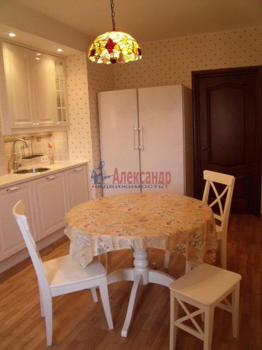 3-комнатная квартира (96м2) в аренду по адресу Бутлерова ул., 40— фото 3 из 11