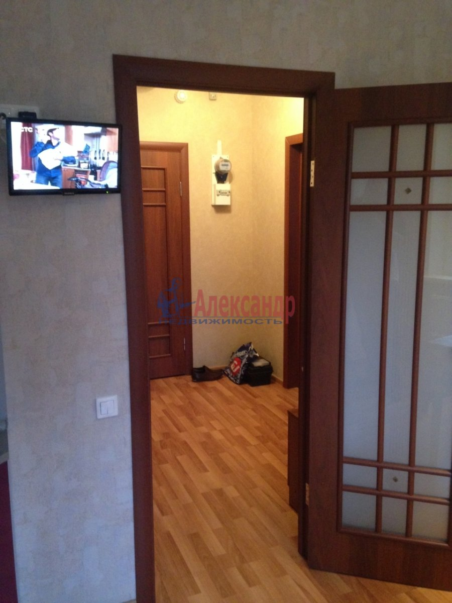 1-комнатная квартира (40м2) в аренду по адресу Сикейроса ул., 7— фото 4 из 13