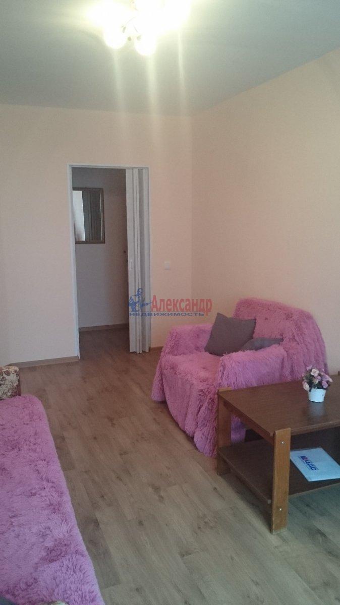 Комната в 2-комнатной квартире (67м2) в аренду по адресу Науки пр., 17— фото 2 из 3
