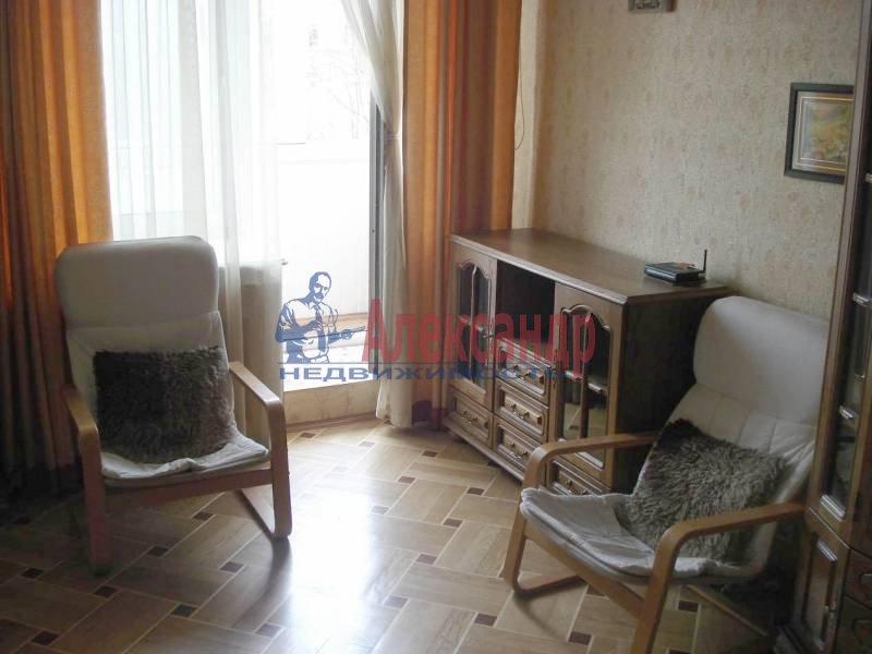 2-комнатная квартира (53м2) в аренду по адресу Шотмана ул., 11— фото 5 из 8