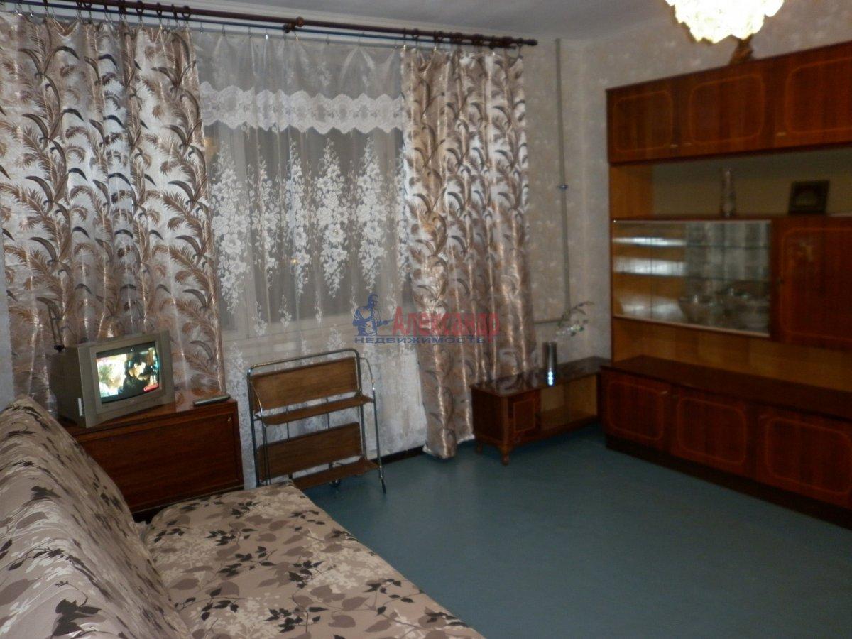 1-комнатная квартира (32м2) в аренду по адресу Подвойского ул., 28— фото 2 из 11