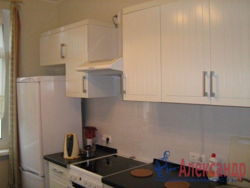 1-комнатная квартира (35м2) в аренду по адресу Крупской ул., 13— фото 2 из 2