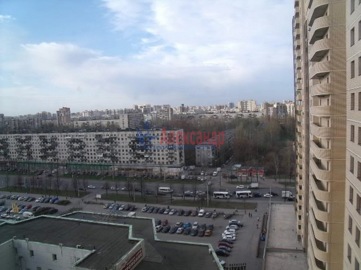 3-комнатная квартира (96м2) в аренду по адресу Бутлерова ул., 40— фото 5 из 11