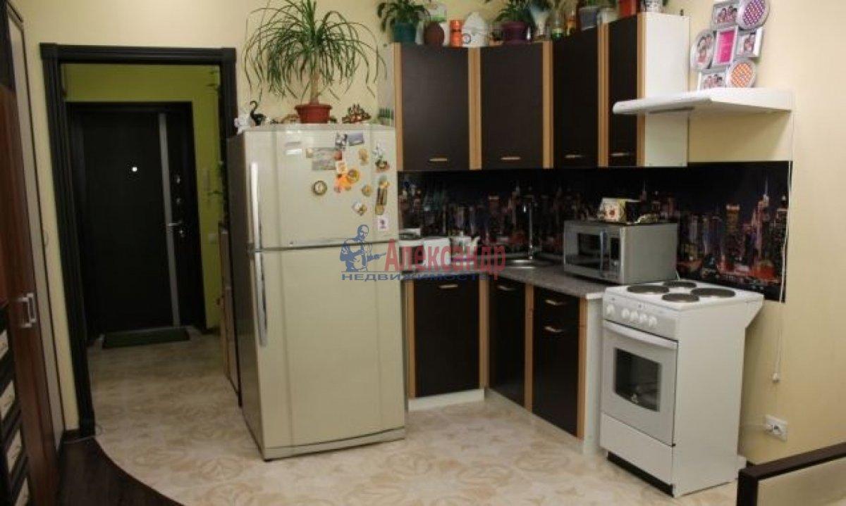 1-комнатная квартира (28м2) в аренду по адресу Мурино пос., Привокзальная пл., 5— фото 1 из 4