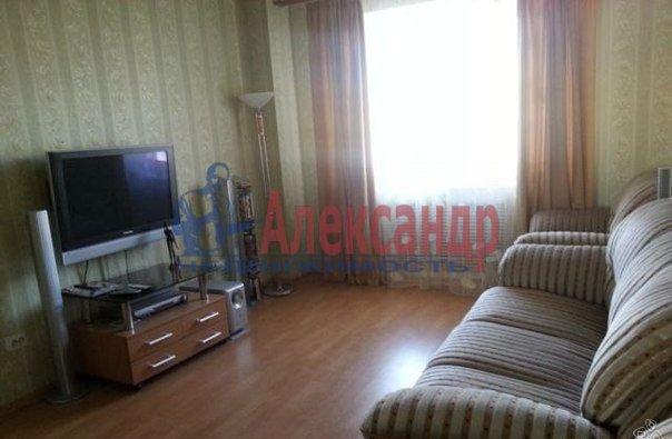 2-комнатная квартира (62м2) в аренду по адресу Глухарская ул., 5— фото 1 из 8