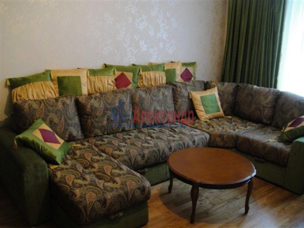 1-комнатная квартира (35м2) в аренду по адресу Бадаева ул., 8— фото 1 из 2