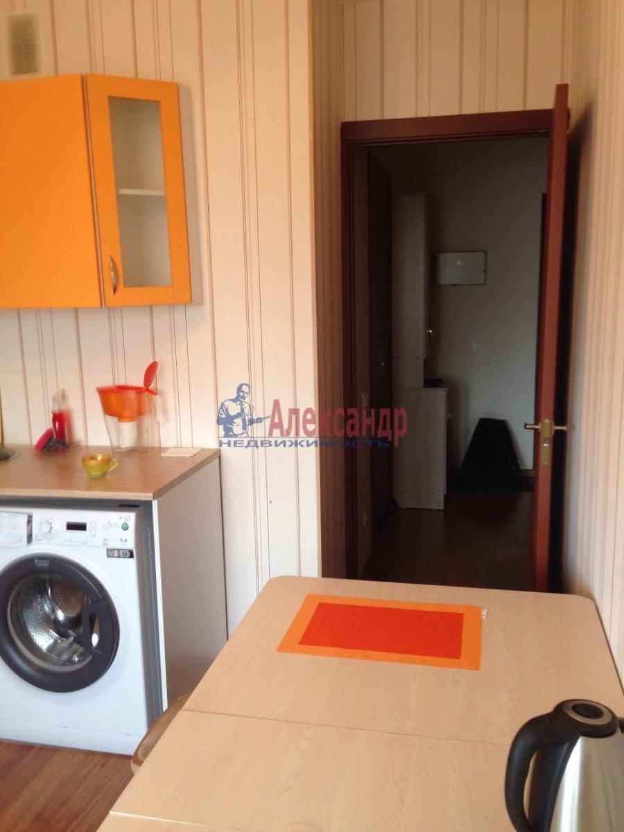 1-комнатная квартира (42м2) в аренду по адресу Оптиков ул., 35— фото 12 из 17