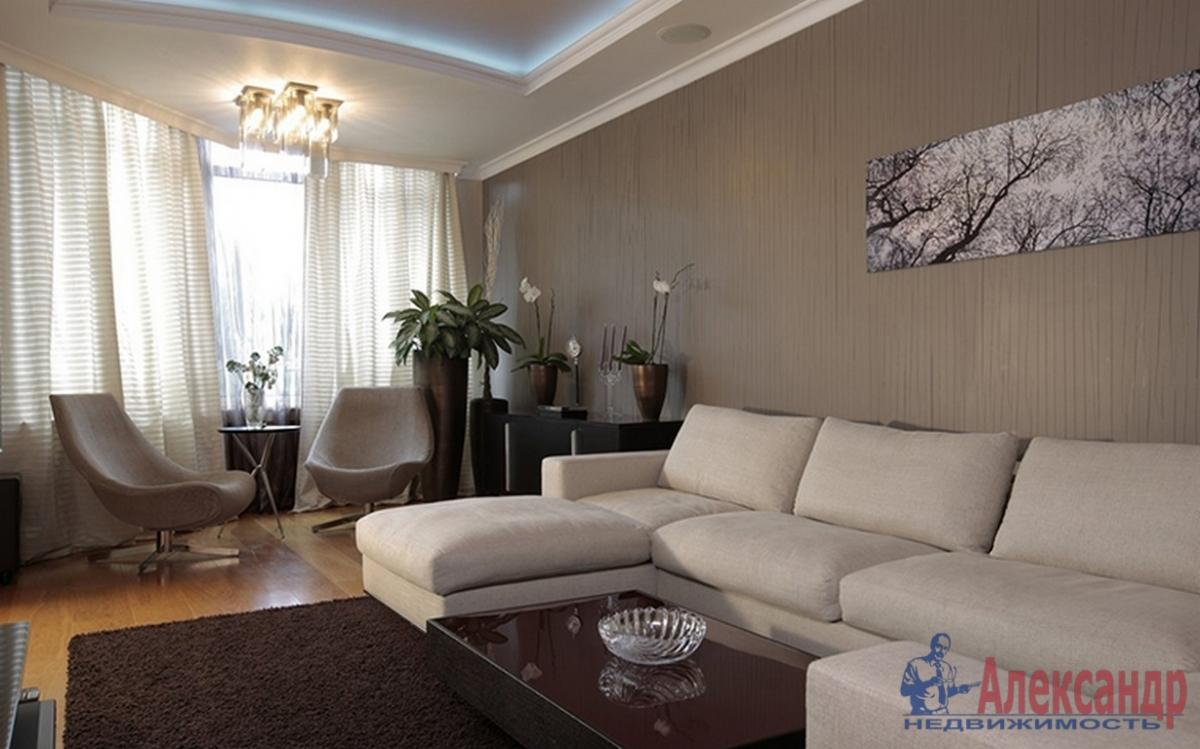 3-комнатная квартира (110м2) в аренду по адресу Петровский пр., 14— фото 1 из 4