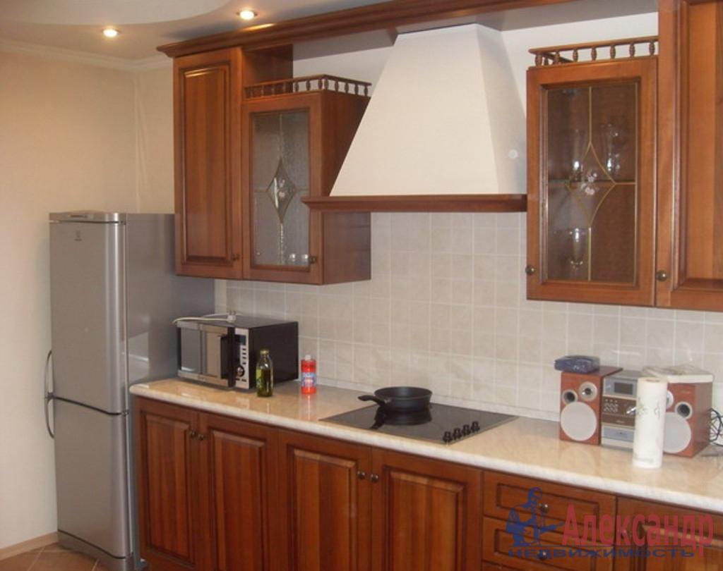 2-комнатная квартира (70м2) в аренду по адресу Шелгунова ул., 9— фото 2 из 3
