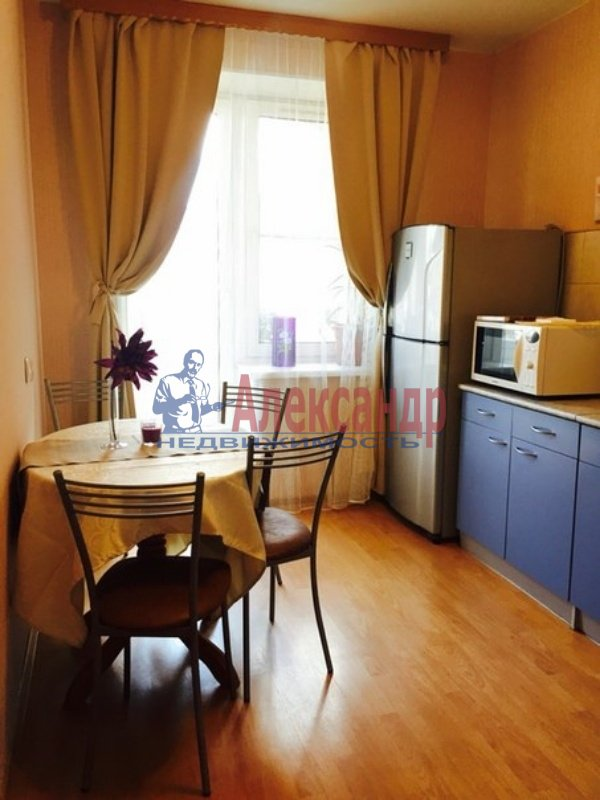 1-комнатная квартира (38м2) в аренду по адресу Варшавская ул., 59— фото 2 из 2