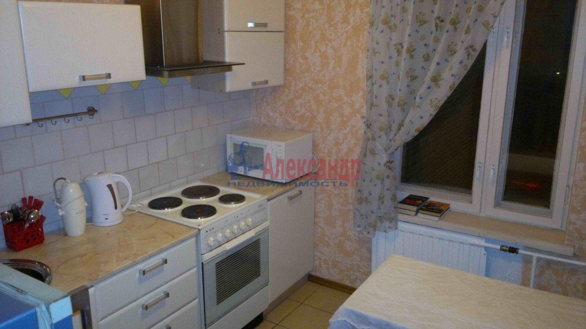 2-комнатная квартира (51м2) в аренду по адресу Ленинский пр., 119— фото 1 из 5