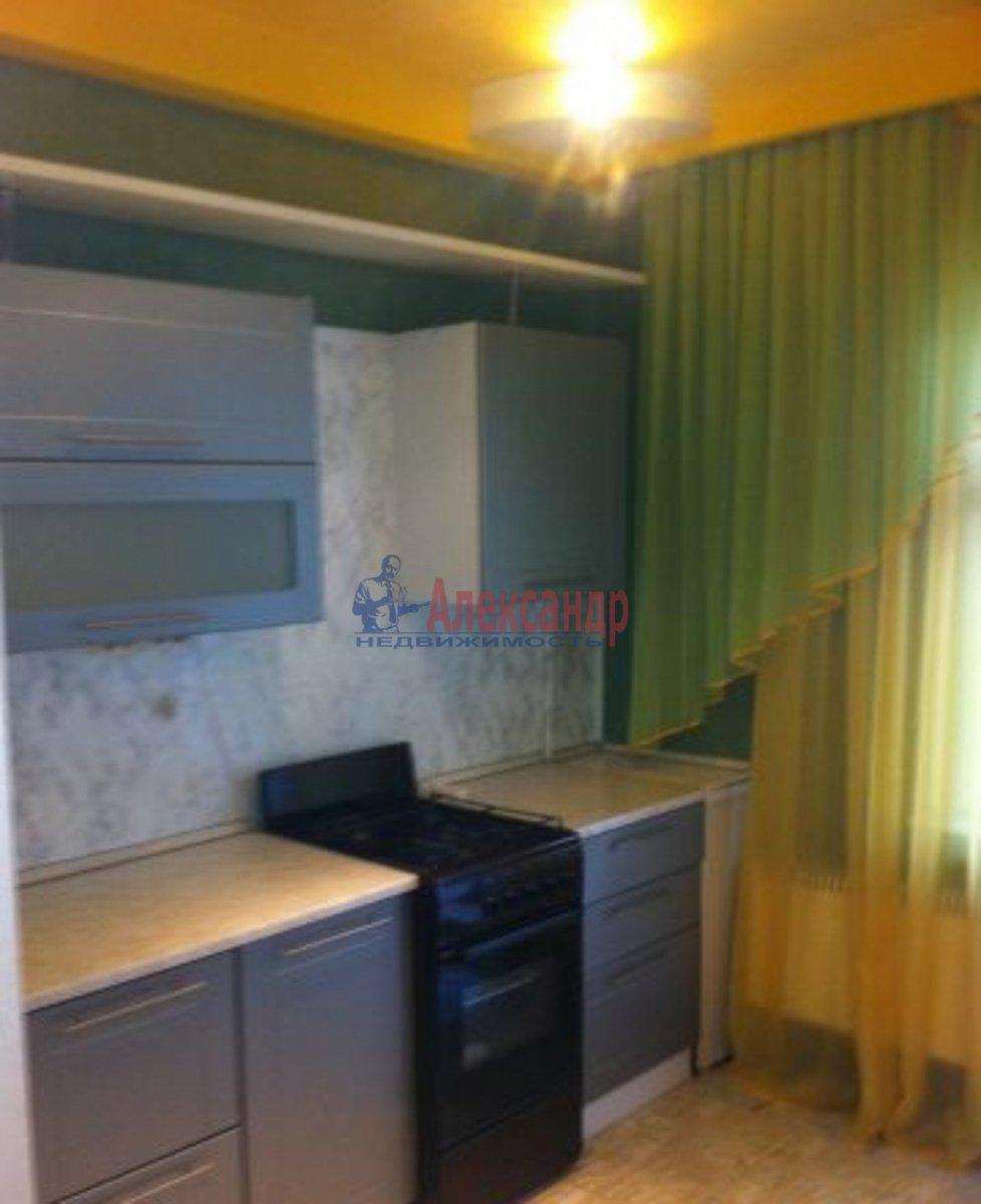 1-комнатная квартира (42м2) в аренду по адресу Латышских Стрелков ул., 11— фото 1 из 3