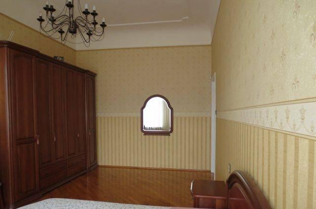 2-комнатная квартира (74м2) в аренду по адресу Средний В.О. пр., 35— фото 1 из 3