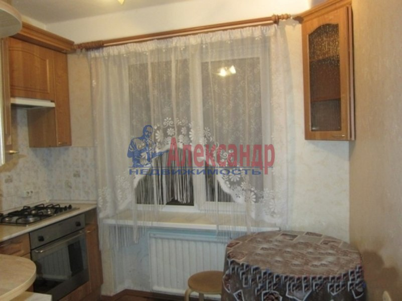 2-комнатная квартира (51м2) в аренду по адресу Крыленко ул., 5— фото 4 из 4