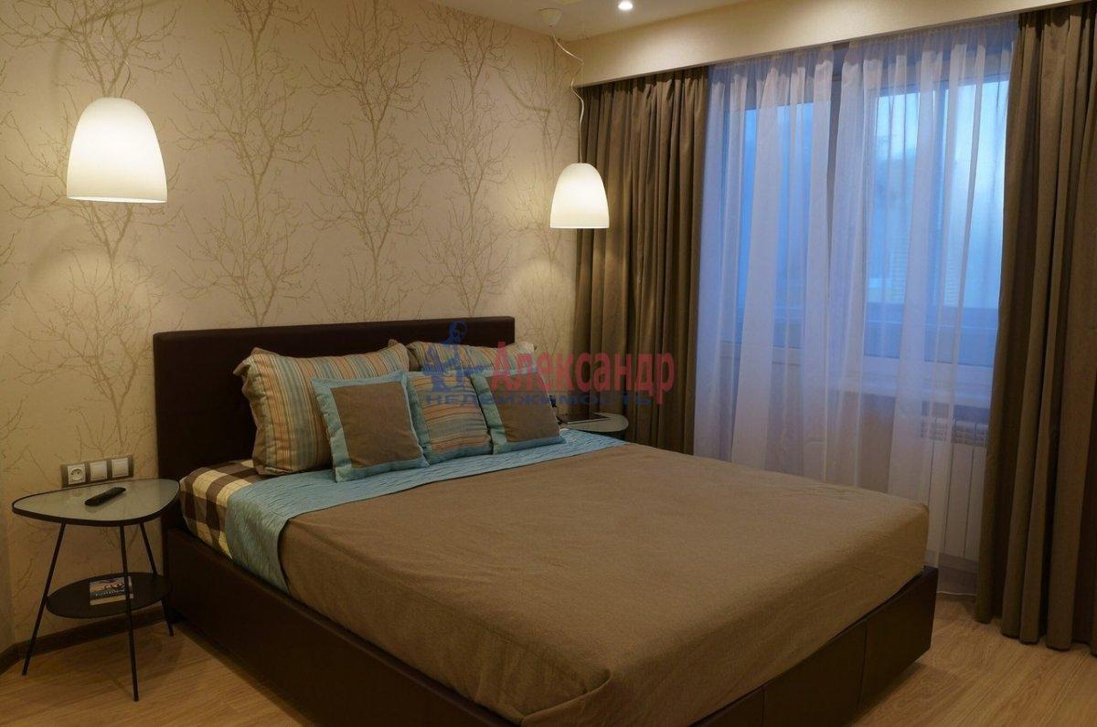 2-комнатная квартира (78м2) в аренду по адресу Космонавтов просп., 63— фото 1 из 4