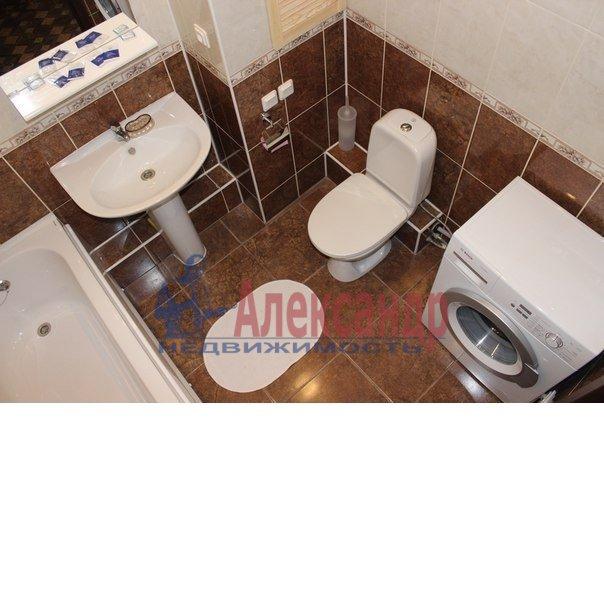 1-комнатная квартира (50м2) в аренду по адресу Бухарестская ул., 80— фото 3 из 5