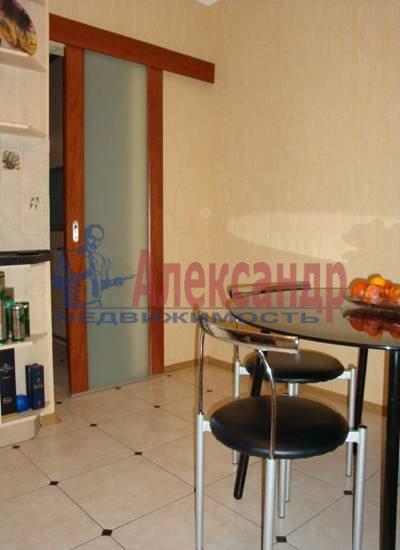 2-комнатная квартира (75м2) в аренду по адресу Миллионная ул., 16— фото 3 из 4
