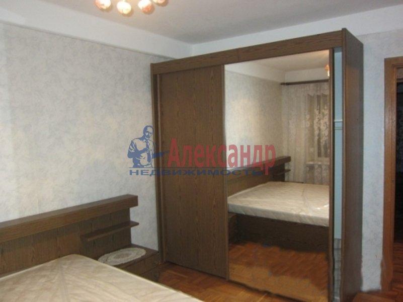 2-комнатная квартира (51м2) в аренду по адресу Крыленко ул., 5— фото 1 из 4