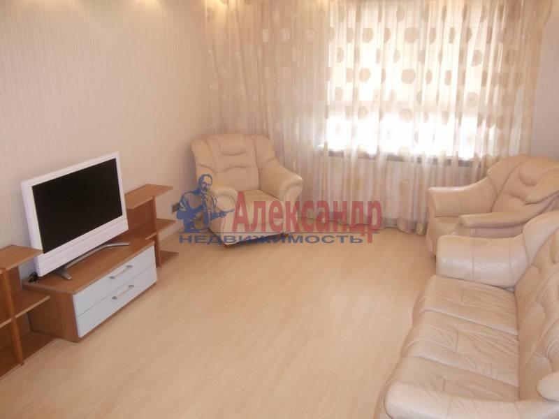3-комнатная квартира (100м2) в аренду по адресу Космонавтов просп., 61— фото 1 из 9