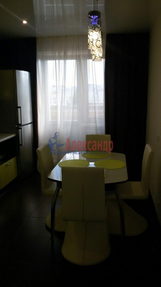 2-комнатная квартира (78м2) в аренду по адресу Космонавтов просп., 63— фото 2 из 4