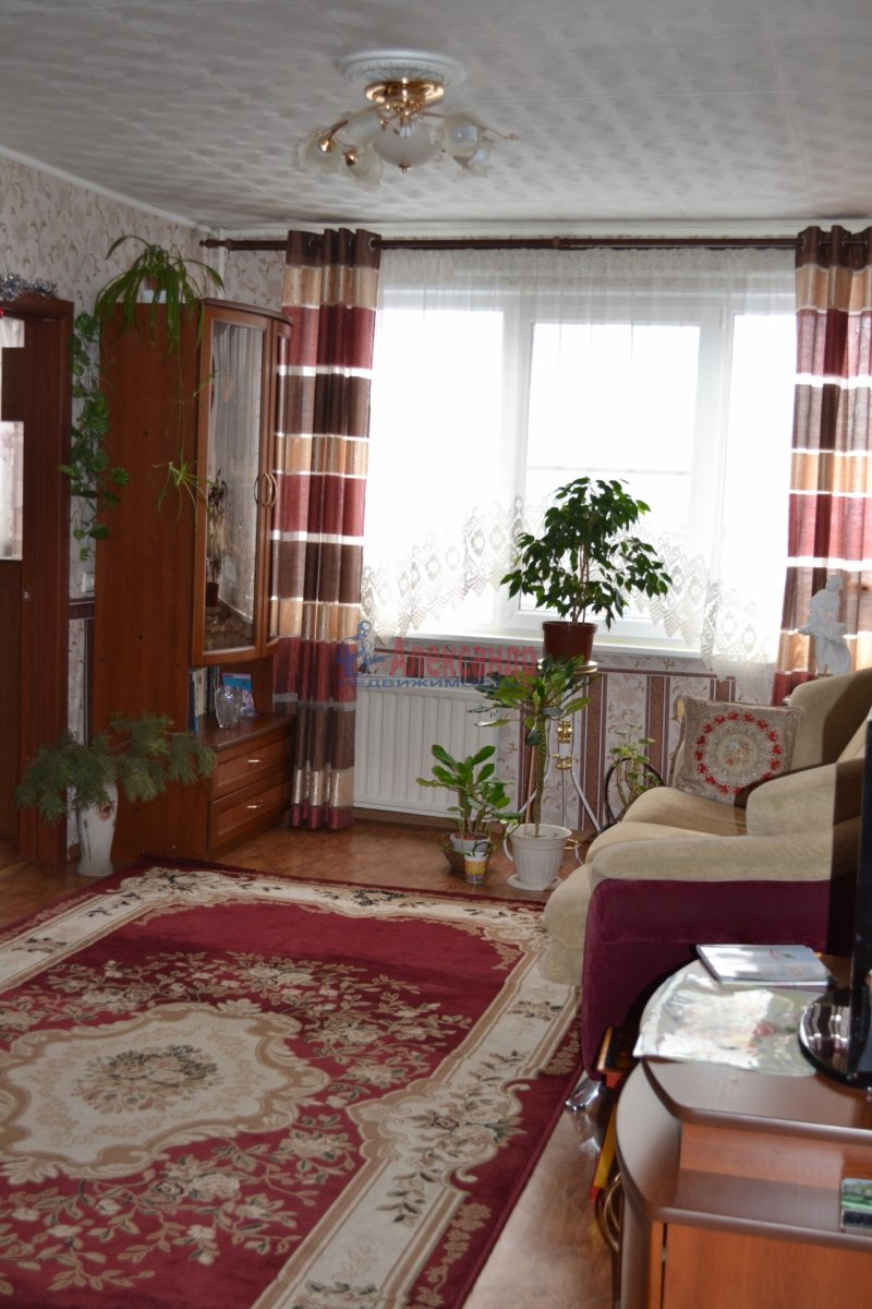 2-комнатная квартира (58м2) в аренду по адресу Ленинский пр., 109— фото 2 из 2