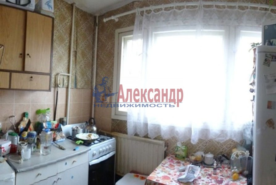1-комнатная квартира (33м2) в аренду по адресу Художников пр., 24— фото 1 из 4