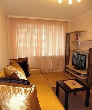 Комната в 3-комнатной квартире (82м2) в аренду по адресу Новосмоленская наб., 1— фото 1 из 3