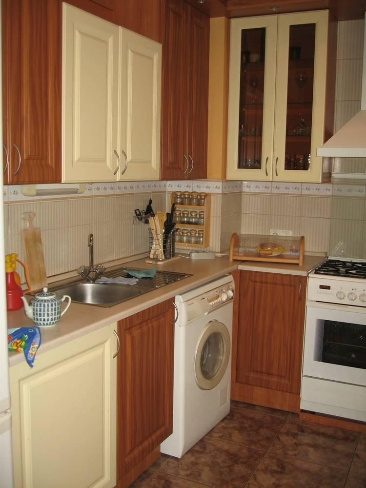 2-комнатная квартира (62м2) в аренду по адресу Кирочная ул., 48— фото 2 из 10