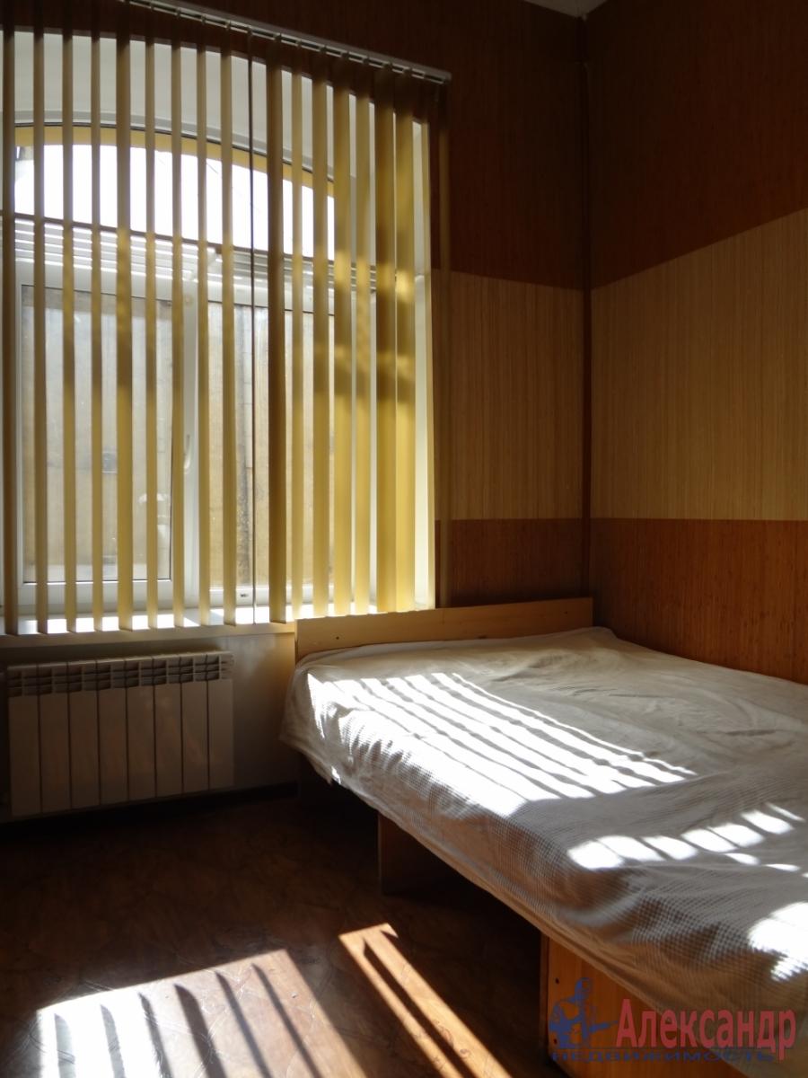 Комната в 4-комнатной квартире (118м2) в аренду по адресу Свечной пер., 7— фото 3 из 5