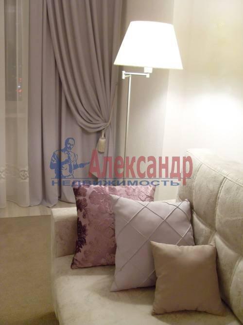 2-комнатная квартира (71м2) в аренду по адресу Полтавский пр-зд., 2— фото 1 из 9