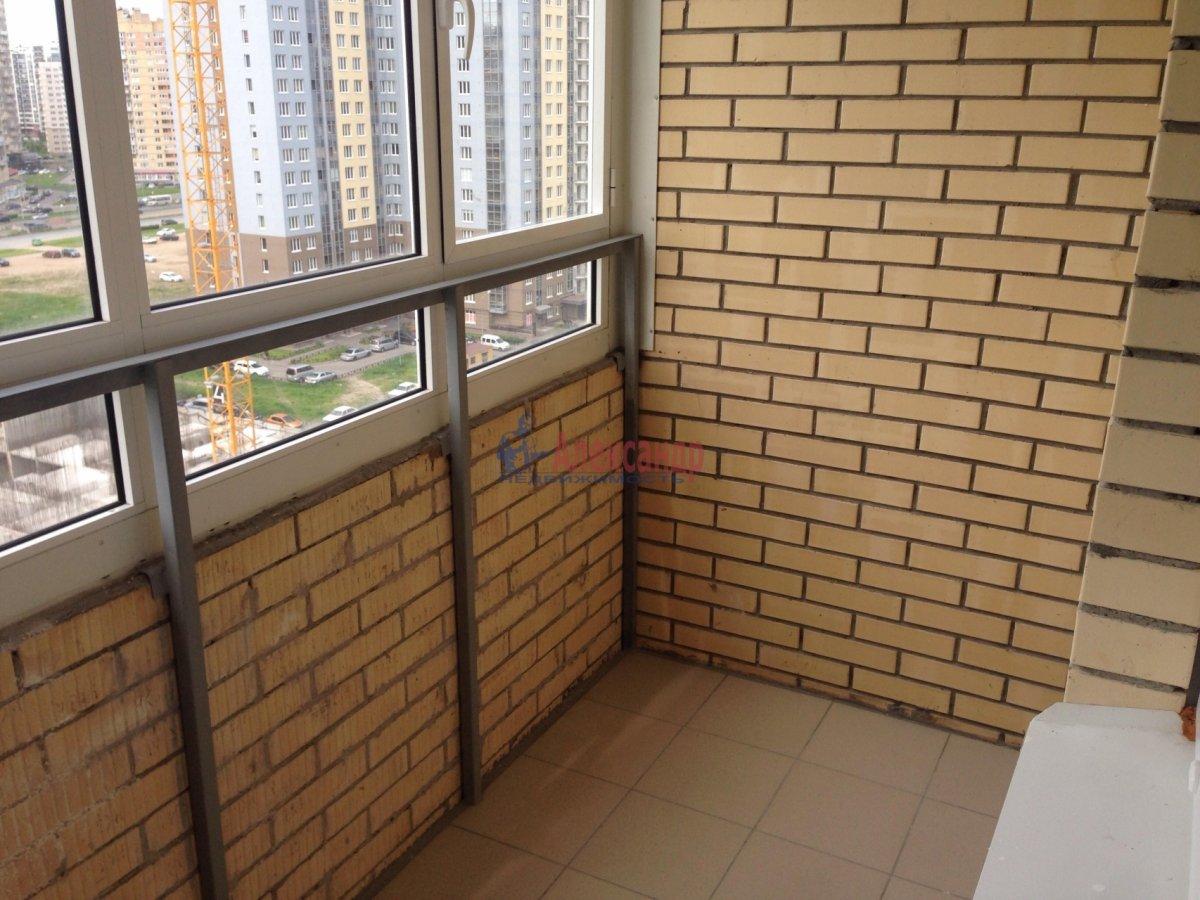 1-комнатная квартира (42м2) в аренду по адресу Оптиков ул., 35— фото 14 из 17