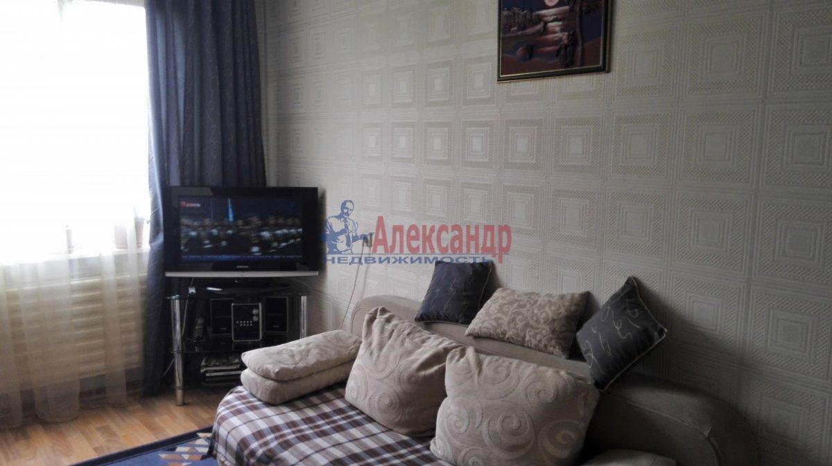 1-комнатная квартира (30м2) в аренду по адресу Купчинская ул., 17— фото 1 из 5