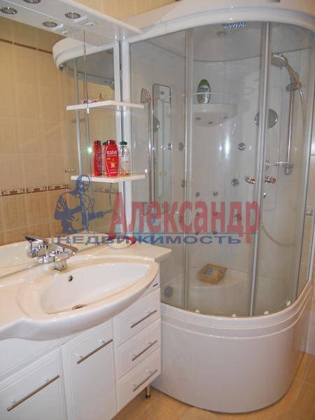 2-комнатная квартира (70м2) в аренду по адресу Кораблестроителей ул., 30— фото 6 из 7