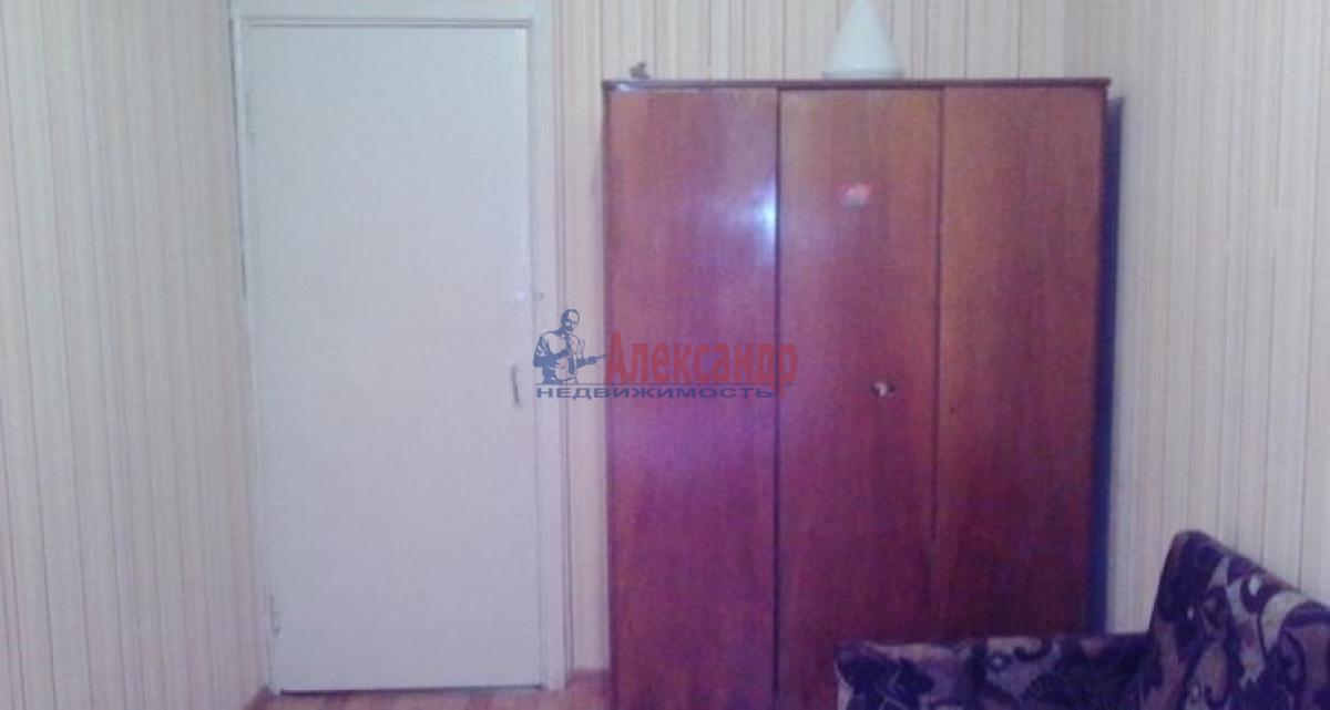 Комната в 3-комнатной квартире (63м2) в аренду по адресу Пулковское шос., 13— фото 2 из 8