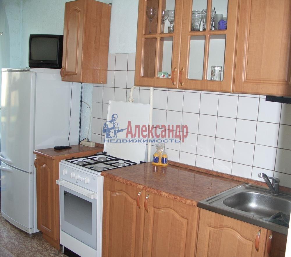 1-комнатная квартира (36м2) в аренду по адресу Карбышева ул., 4— фото 1 из 4
